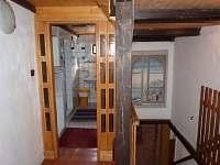 vstup do koupelny v patře - chalupa k pronájmu Vrbno pod Pradědem - Mnichov
