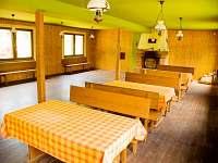 jídelna jako společenská místnost - pronájem chaty Staré Město pod Sněžníkem - Chrastice