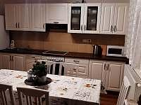 kuchyň - chalupa k pronájmu Lipová-lázně
