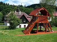 Zahrada - chalupa ubytování Josefův Důl - Dolní Maxov