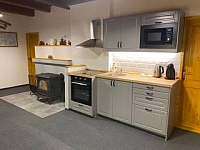 hala přízemí s kuchyní - Josefův Důl - Dolní Maxov