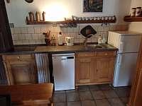 obytná kuchyně - chalupa k pronajmutí Tanvald - Šumburk