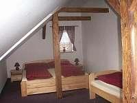 Ložnice v patře