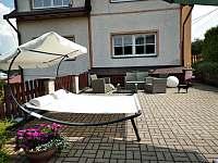 Letní postel na terase, nádherné lenošení :) - Smržovka