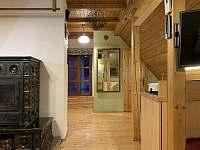 Obývací pokoj s kuchyňským koutem - apartmán k pronájmu Albrechtice v J. h. - Mariánská Hora