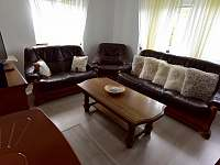 Obývací pokoj - chalupa k pronajmutí Hodkovice nad Mohelkou- Záskalí