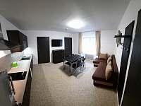 zelený apartmán - obývací pokoj - pronájem Josefův Důl