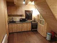 Plně vybavená kuchyňská linka - chata k pronájmu Smržovka