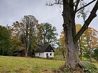 Pohled na obě chaty - Smržovka