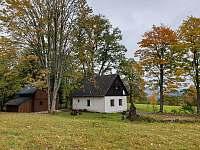 Pohled na obě chaty - pronájem Smržovka
