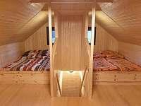 První patro - ložnice/společenská místnost - Smržovka