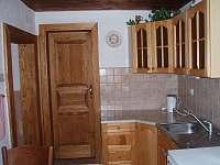 kuchyň - chalupa k pronajmutí Jílové u Držkova