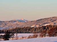 Pohled ze zahrady na Ještěd - Vysoké nad Jizerou