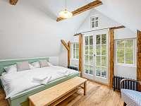 Dvojlůžkový pokoj K Lesu - chalupa ubytování Desná I