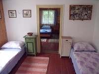ložnice druhá - 4 lůžka, je průchozí k třetímu pokoji