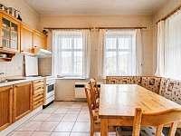 Kuchyně - vila k pronajmutí Janov nad Nisou - Hraničná