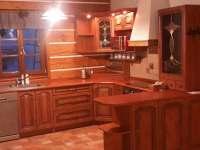 kuchyn - pronájem roubenky Jeřmanice