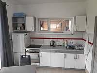 kuchyň - pronájem vily Nové Město pod Smrkem