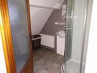 Koupelna v 1.patře - pronájem chalupy Albrechtice v Jizerských horách