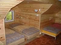 pokoj v patře 1 - chata k pronajmutí Kořenov