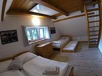 Severní pokoj s mezonetovým spaním - pronájem chalupy Albrechtice v J. h. - Mariánská Hora
