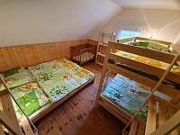 Čtyřlůžkový pokoj v patře vlevo - Albrechtice v Jizerských horách