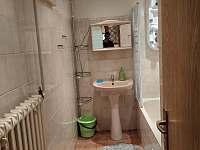 Velký apartmán - koupelna s vanou - chalupa ubytování Kořenov - Horní Polubný