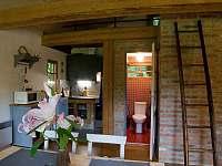 Obývací prostor s kuchyní - chata ubytování Fojtka