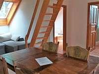 apartmán č.2- obývací místnost - pronájem chalupy Lázně Libverda
