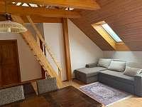 Apartmán č.3 - obývací místnost - chalupa k pronájmu Lázně Libverda
