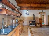 kuchyně - chalupa k pronajmutí Oldřichov v Hájích