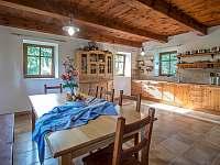 kuchyně - chalupa k pronájmu Oldřichov v Hájích