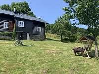 Roubenka-Pohled zespodu - chata ubytování Paseky nad Jizerou