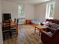 Obývací pokoj A8 - chata k pronájmu Smržovka