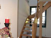 Schody do prvního poschodí
