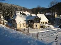 Penzion KAMENICE - dolní budova v zimě