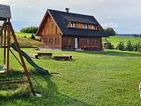 Roubenka čp 145 - rozlehlé pozemky poskytují soukromí - www.pronajemroubenky.cz Jílové u Držkova