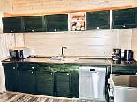Kuchyně je plně vybavena k vaření. - chata k pronájmu Josefův Důl - Dolní Maxov