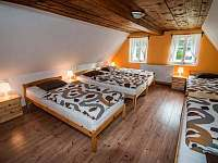 Oranžový pokoj - 5 lůžek - pronájem chalupy Hejnice