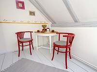 Červený pokoj v 1. patře - chalupa k pronajmutí Albrechtice v Jizerských horách