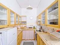 Kuchyň - chalupa k pronájmu Albrechtice v Jizerských horách