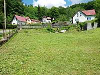 Zahrada 2 s potůčkem - chata ubytování Janov nad Nisou - Malý Semerink