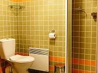 koupelna v prvním horním apartmánu - Kořenov - Polubný