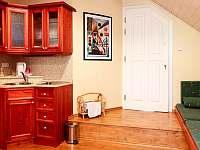 kuchyňský kout v druhém horním apartmánu - Kořenov - Polubný