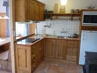 kuchyň na Statku - chalupa k pronájmu Šumburk nad Desnou