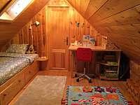 Podkroví - ložnice - chalupa k pronajmutí Oldřichov v Hájích