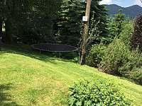 zahrada - chalupa ubytování Oldřichov v Hájích