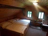 druhá ložnice v horním patře...děcák - chalupa k pronájmu Český Šumburk