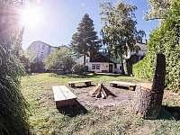 ohniště na zahradě - chata ubytování Vysoké nad Jizerou