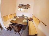 posezení v kuchyni - pronájem chaty Vysoké nad Jizerou